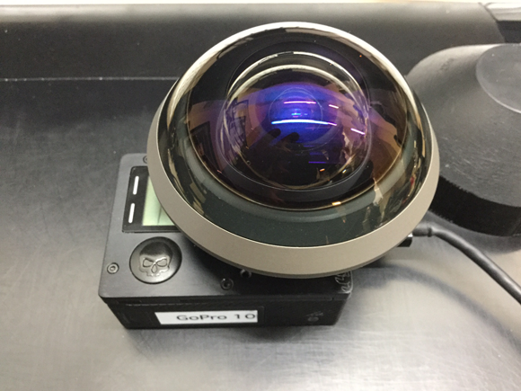 Installing a lens and confirming that the position of image circle is right